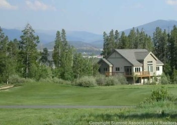 Exterior view of Eagles Nest, Silverthorne home