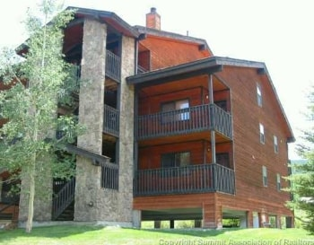 Exterior of Mountainside condos for sale in Frisco CO